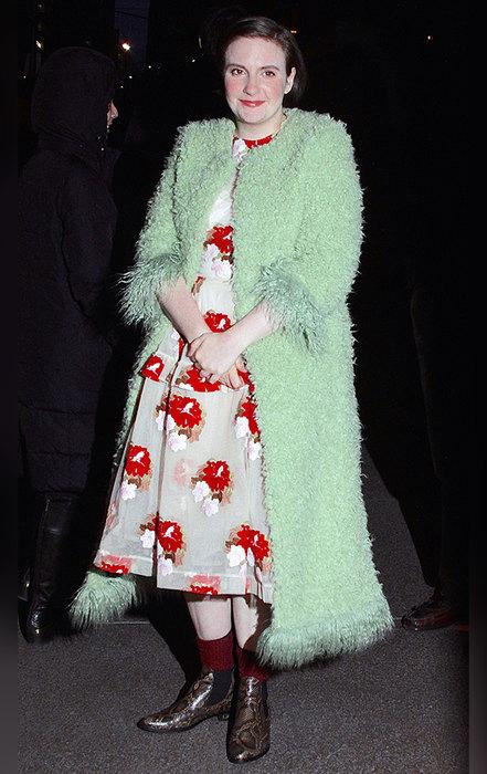 Модный фрик: 10 самых безвкусных образов Лены Данэм