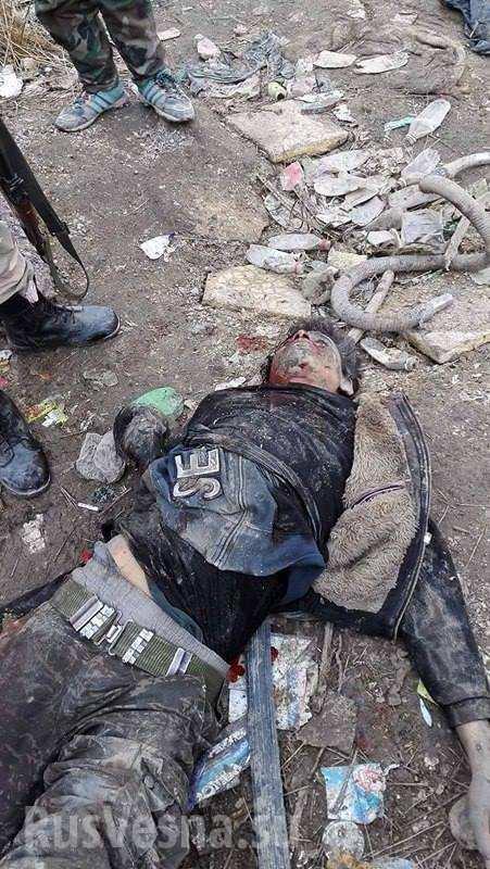 Кровавый провал: Армия Сирии отразила наступление и уничтожила террористов под Дамаском (ФОТО 18+)