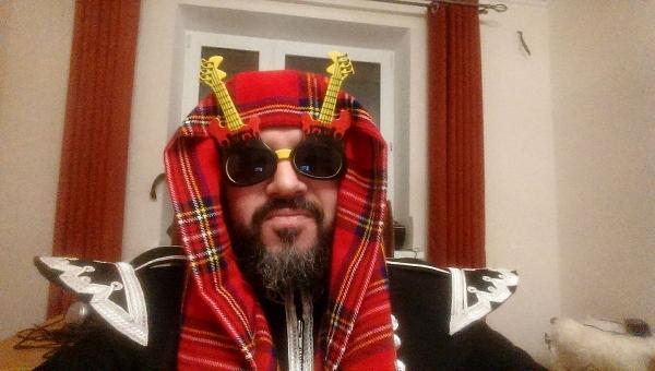«Оркестр Волынщиков Москвы» устроил трэш на стихи Бёрнса