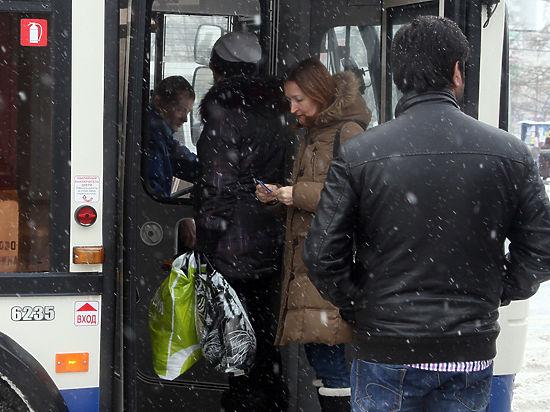Россияне подсядут на общественный транспорт: продажи авто упали на 11%