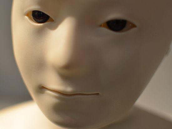 Интернет взорвало видео про робота, доказавшего, что он не робот