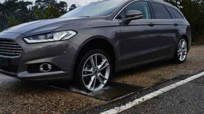 Автомобили Ford отметят дорожные ямы на карте навигатора