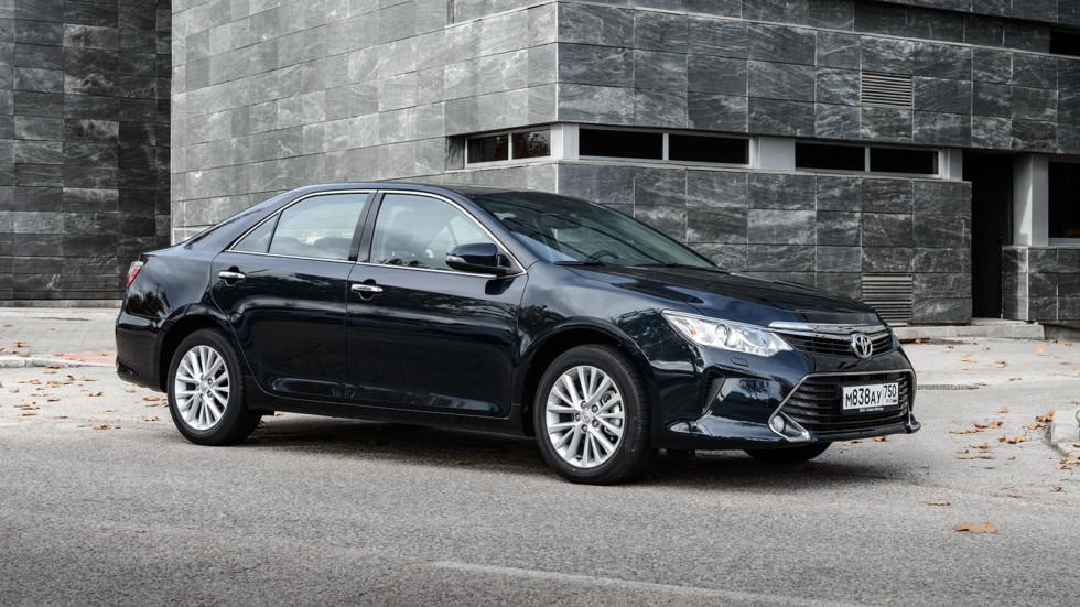 Toyota опускает цены на популярные модели