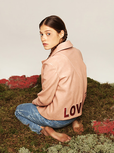 Любовь спасет мир: 9 самых стильных вещей с логотипом LOVE