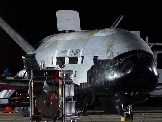 Секретный военный шаттл США поставил рекорд пребывания на орбите