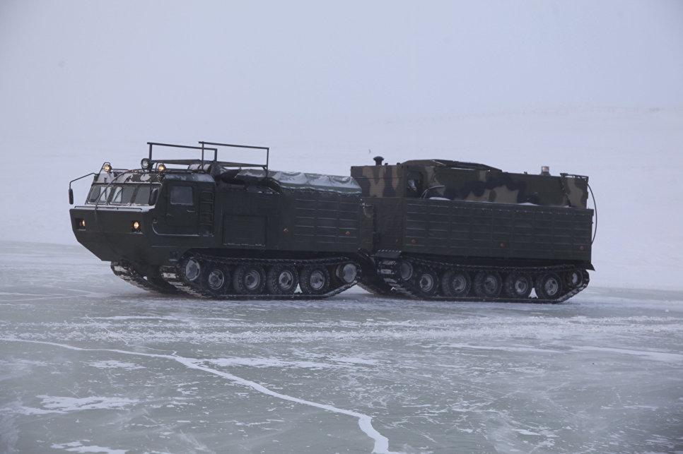 Экспедиция Минобороны впервые в мире дошла до острова Котельный по льду (ФОТО, ВИДЕО)