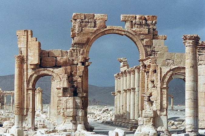 Триумфальная арка Пальмиры: «восстановить возможно и необходимо»