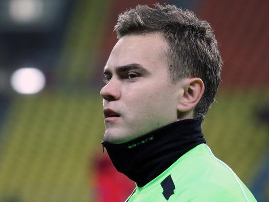 Акинфеев и Глушаков тренировались со сборной России без ограничений