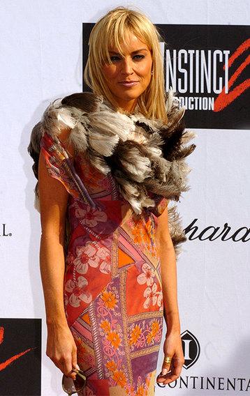 Лайфхак сезона: как модное боа сделает твою жизнь лучше