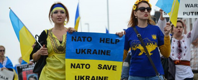 У Порошенко НАТО поставили выше, чем ООН и пообещали промыть украинцам мозги
