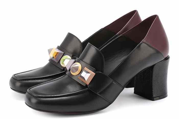 Удобно и женственно: 13 пар обуви на низком каблуке для любого случая