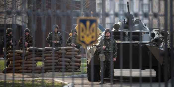Эхо Балаклеи: Порошенко поручил Полтораку усилить охрану всех военных обьектов на Украине