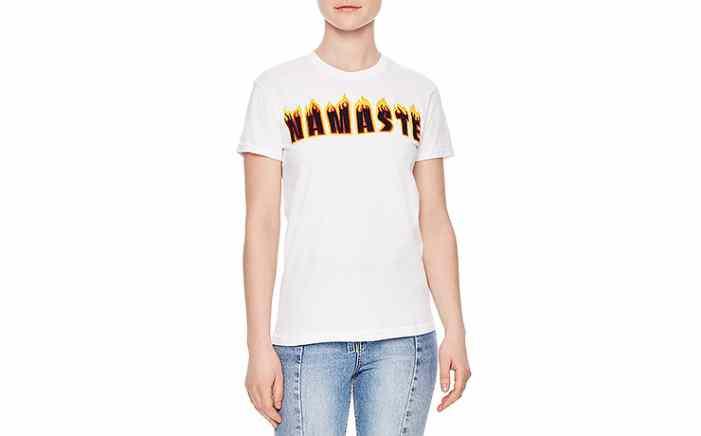 Лозунги и металл: 13 самых крутых футболок этой весны
