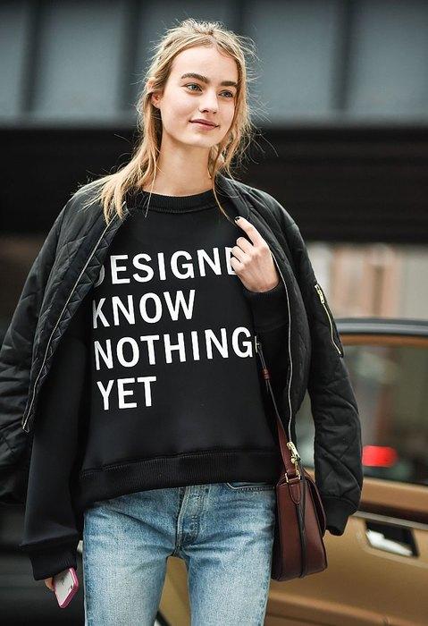 Скажи мне, что с тобой: 10 самых актуальных надписей на футболках