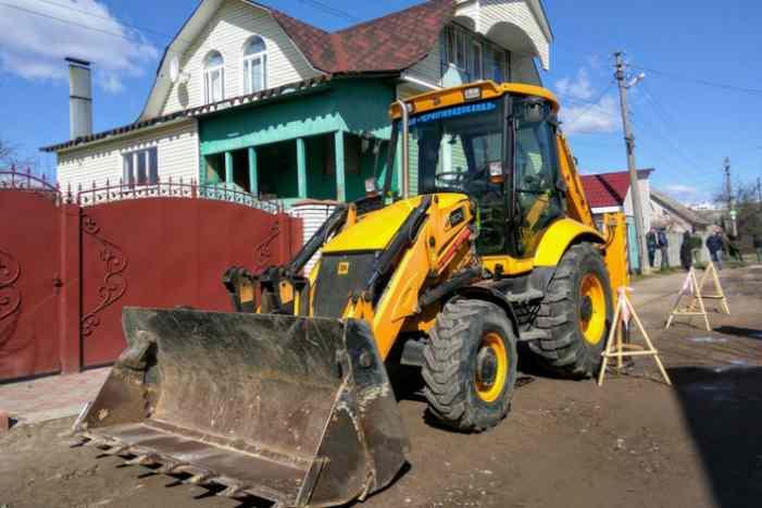 В Чернигове должникам за услуги ЖКХ перекрывают канализацию