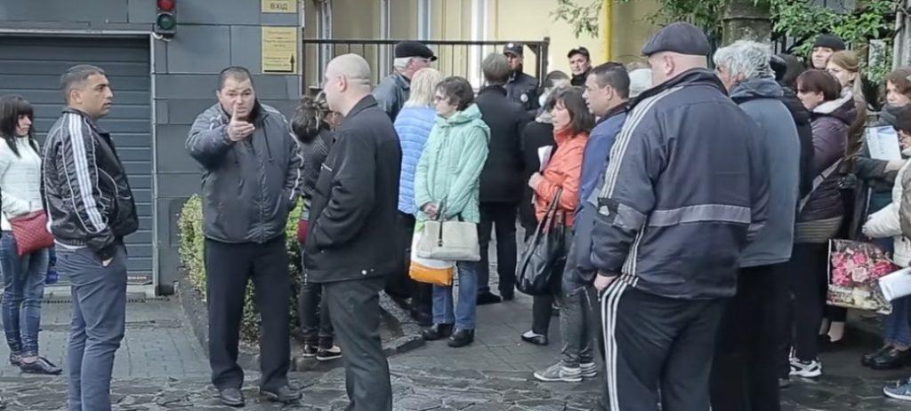 Вы что, Донбасс нам хотите тут устроить? — закарпатцы встретили в штыки антипутинский пикет в Ужгороде