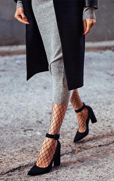 Сложный тренд: как носить колготы в сетку и не выглядеть вульгарно