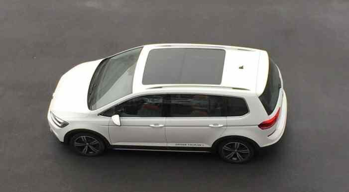 Volkswagen создал кросс-версию для Touran