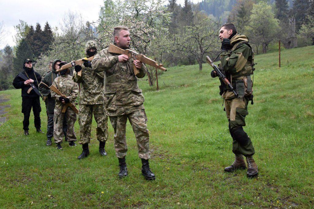 Националисты продолжают подготовку вооруженного подполья на территории Украины