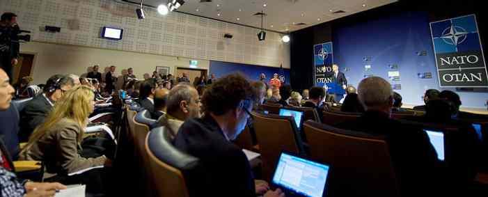 Генсек НАТО в начале первого саммита с участием Трампа выступил за санкции против РФ