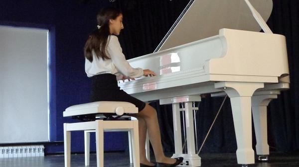 В Вятском стартовал I международный конкурс юных исполнителей