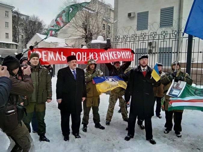 В Киеве открыли стрельбу по чеченским террористам, воюющим за Украину в Донбассе