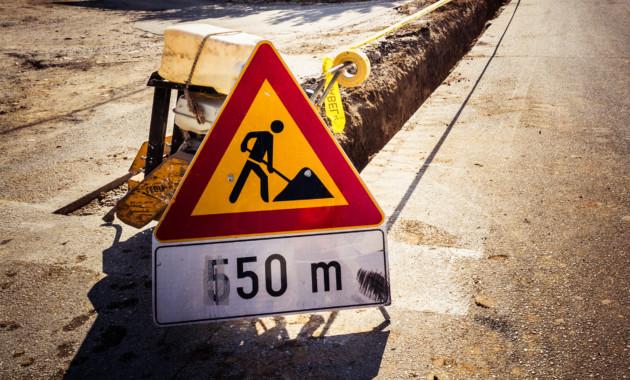 Медведев подписал постановление о ремонте федеральных дорог