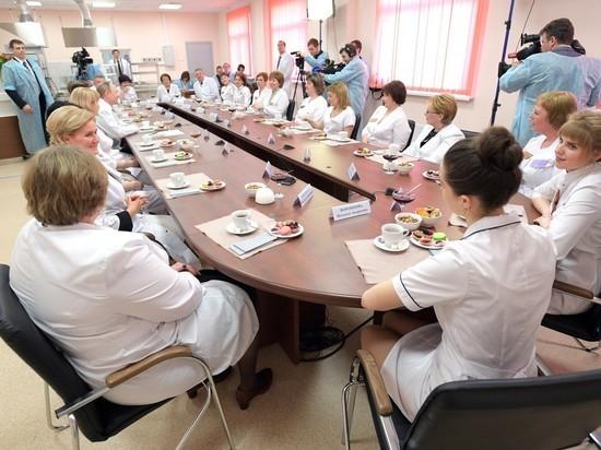 Одиннадцать младенцев погибли в брянском перинатальном центре, который посещал Путин