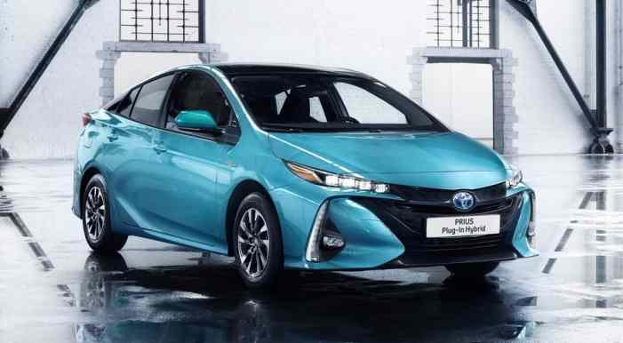 Toyota готовит к премьере быстрозаряжающийся электрокар