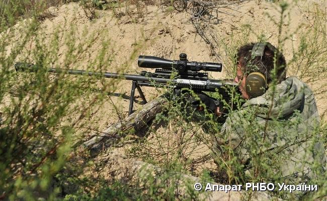 Турчинову показали новейшее украинское оружие, которое способно одним своим видом напугать врага