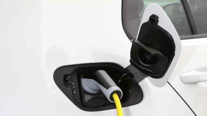 Губернаторы начнут развивать инфраструктуру для электромобилей