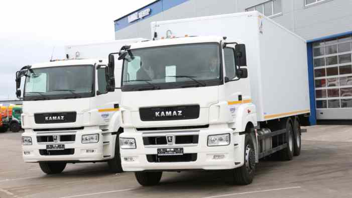 Проверять грузовики в РФ могут доверить сотрудникам ФТС