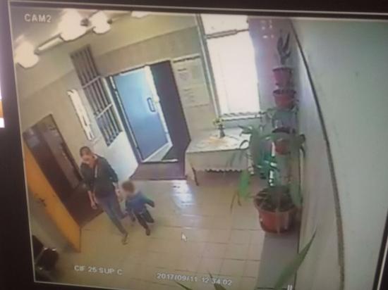 Женщина, выпавшая с ребенком из окна, переживала из-за развода