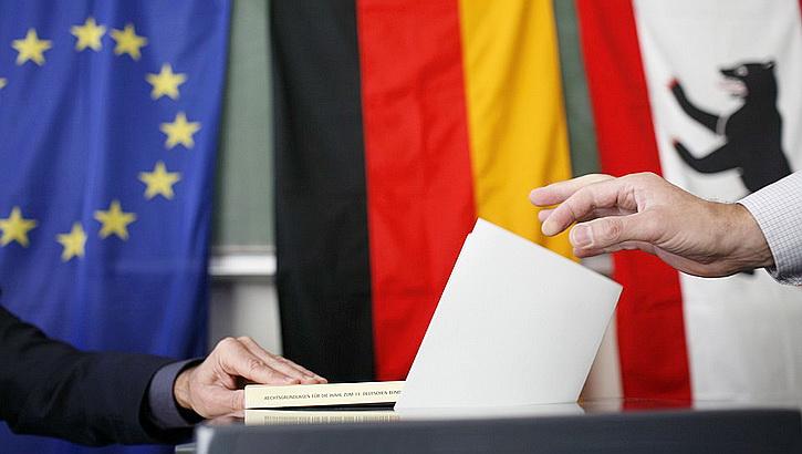 Выборы в Германии: Лояльные России силы разобщены, Меркель прочат победу