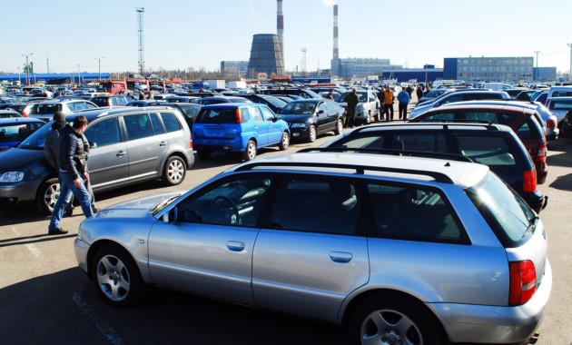 Автомобили с пробегом стоят в среднем 740 000 рублей