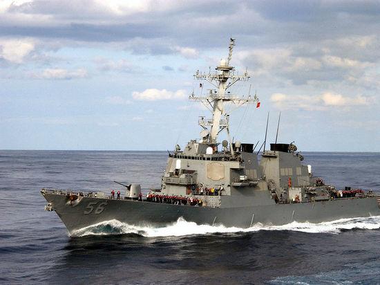 В США командиров эсминцев обвинили в непреднамеренном убийстве 17 моряков