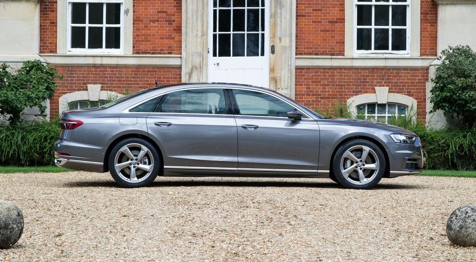 Audi назвала российские цены седана A8 новой генерации