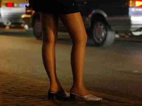 Праздновавший с проститутками рождение сына сибиряк застрелил одну из них