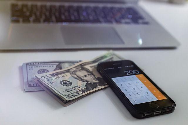 Эксперт объяснил свои слова о возможном росте доллара до 200 рублей