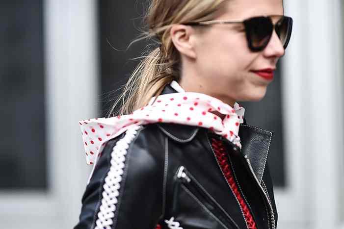 15 идей, как носить вещи «в горох» и не выглядеть городской сумасшедшей