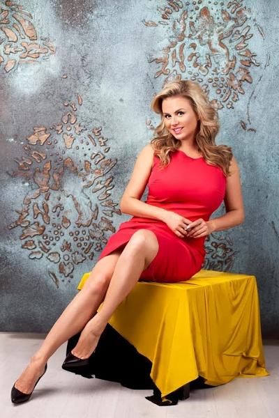 Анна Семенович может отсудить у эротического портала крупную сумму