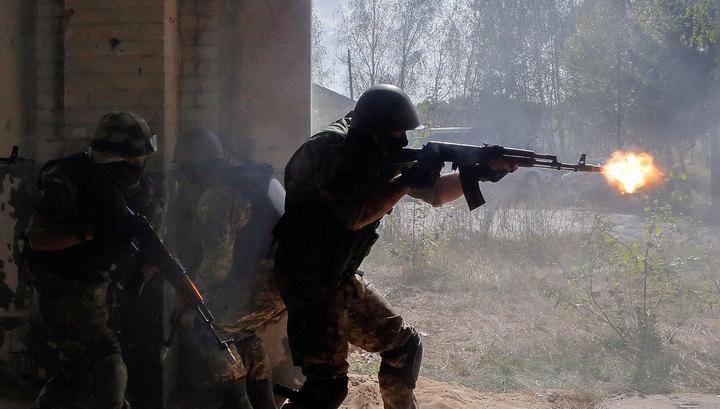 Пьяные боевики АТО врывались в дома мирных жителей Донбасса, стреляя из автоматов