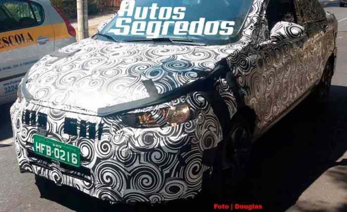 Свежие шпионские фото нового седана Fiat